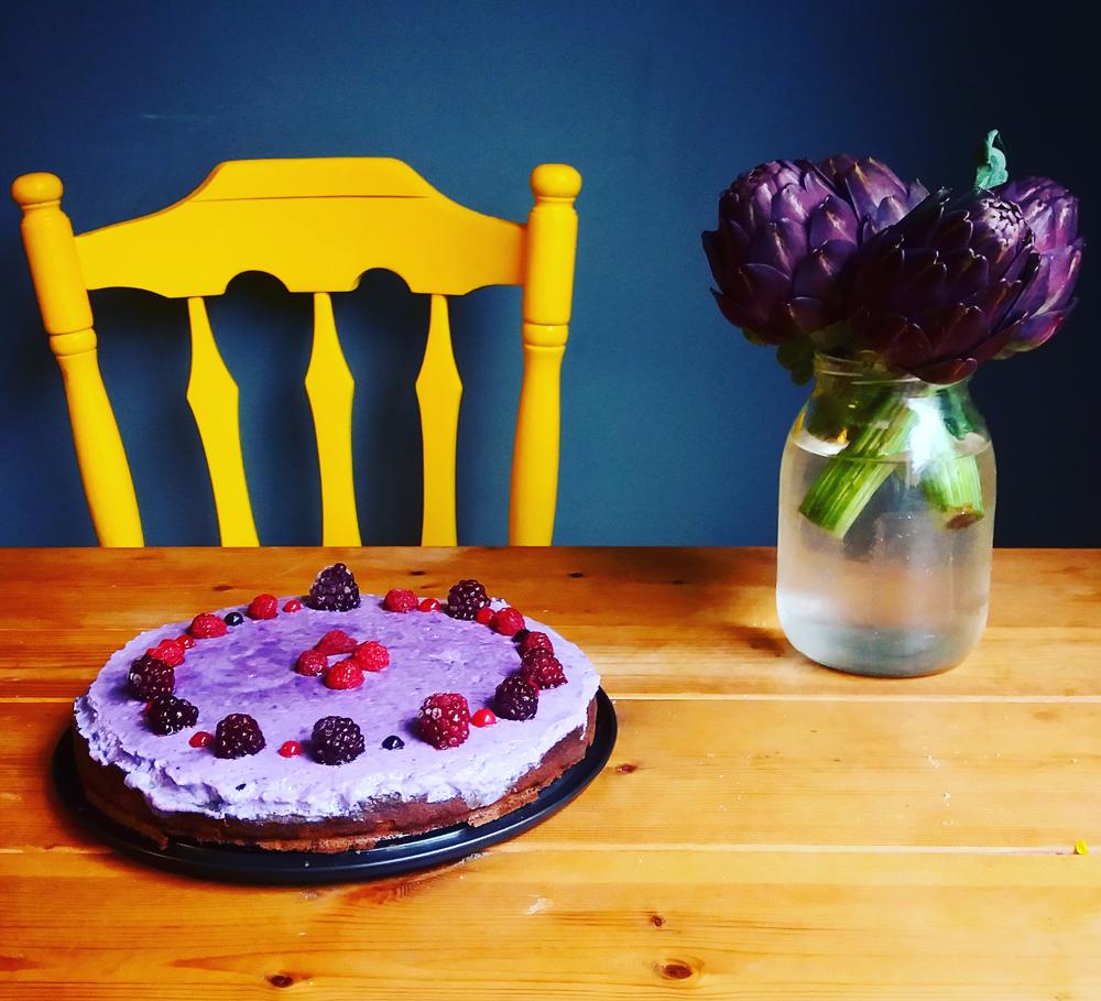 עוגת כוסמת ופירות יער טבעונית