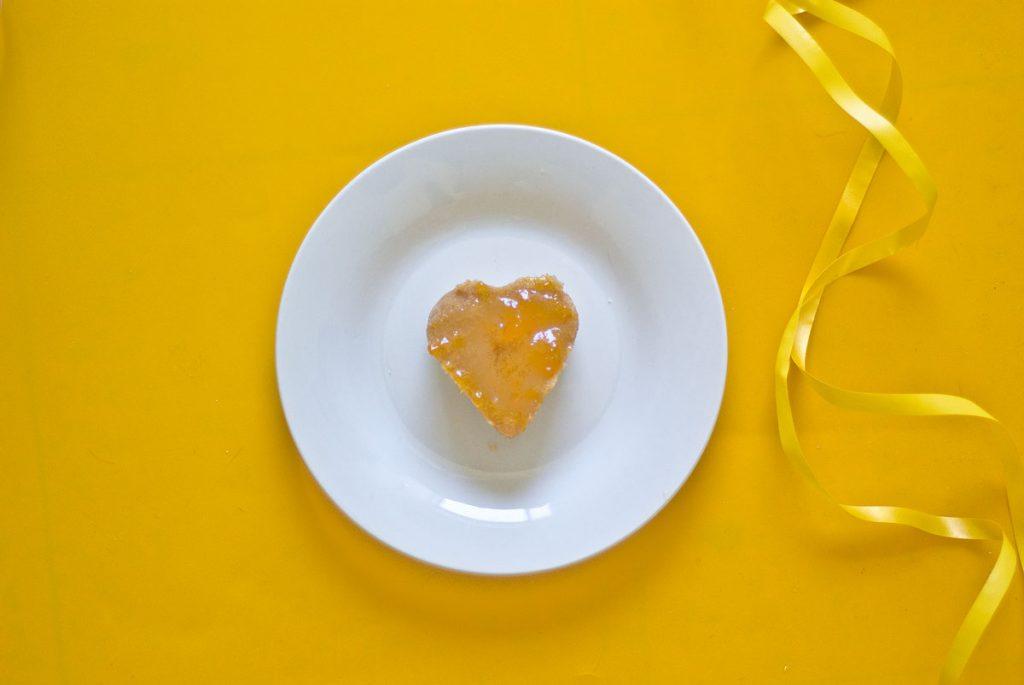 עוגת פירות טיבעונית ללא גלוטן