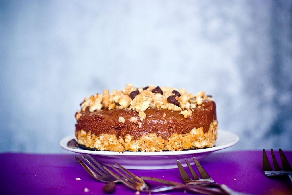עוגת שוקולד טבעונית ללא אפיה