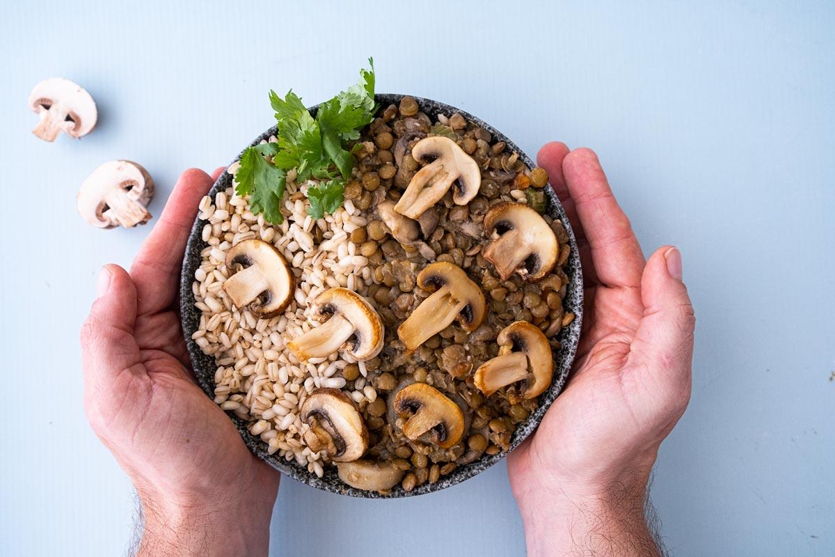 תבשיל עדשים ופטריות